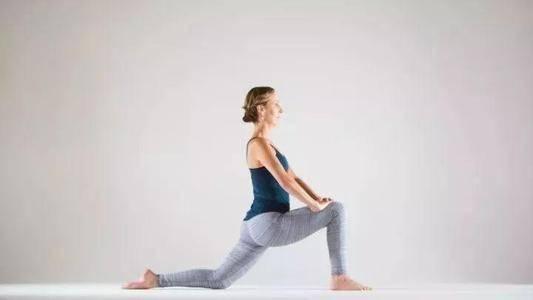 夏日健身虐腹进行时,每日坚持练习这七个动作,轻松拥有马甲线_身体