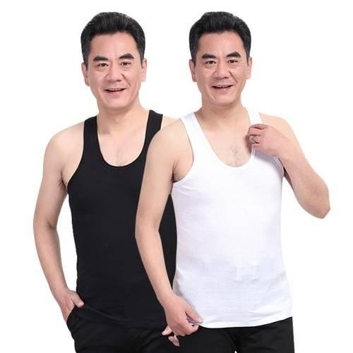 吊带被打败了,今年流行老爹背心,让杨幂、戚薇都穿出了个性时髦