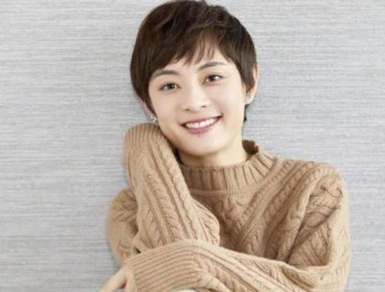 <strong>还有一位女演员,王焱,她也是琼瑶话剧的常客</strong>