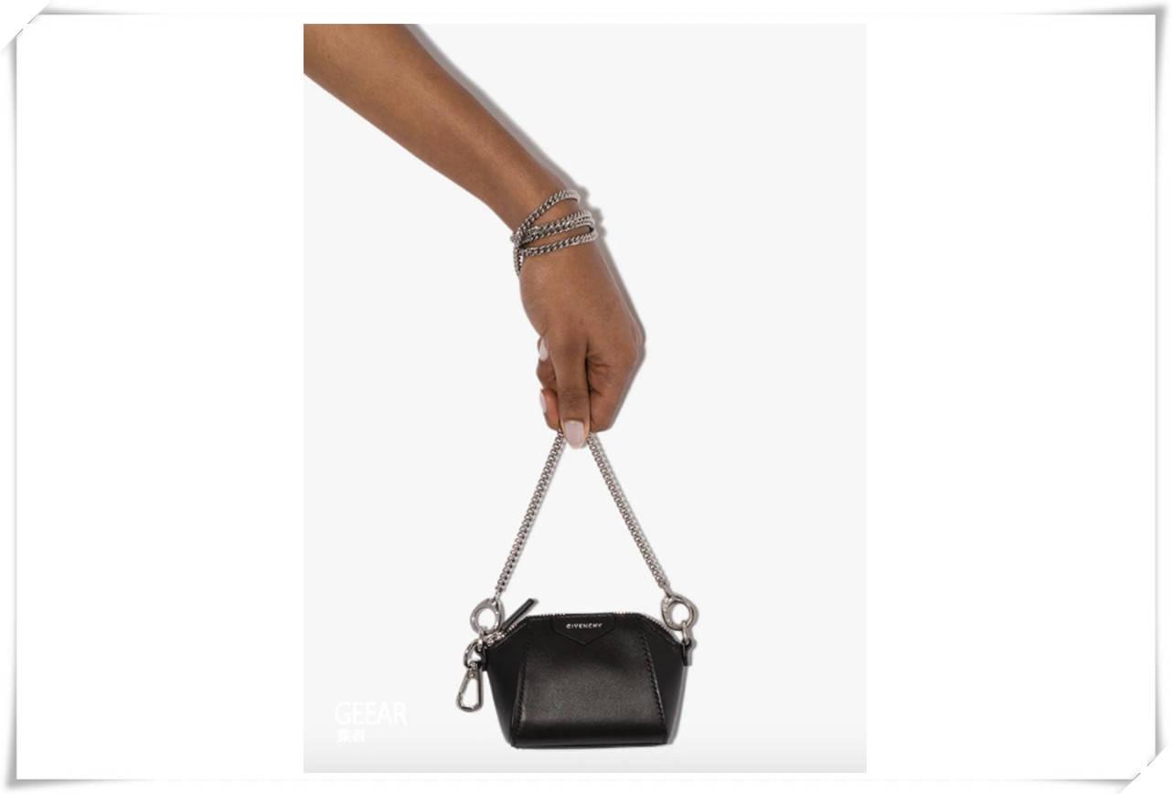 不能错过的潮流:本季包包必备的就是这个抢眼元素!