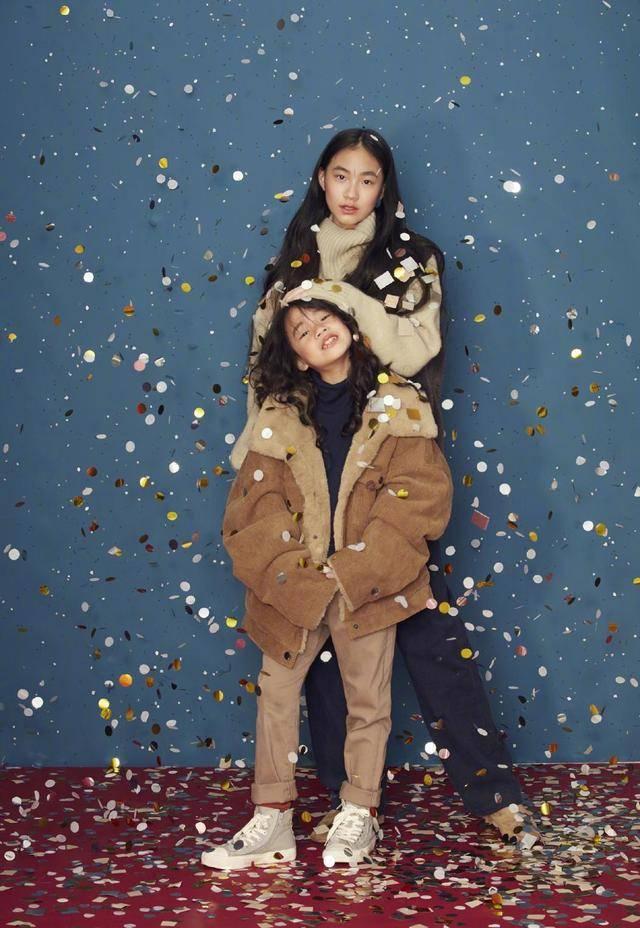 小s二女儿拍大片秀好身材,Lily笑容甜美曾被称为女版易烊千玺插图(12)