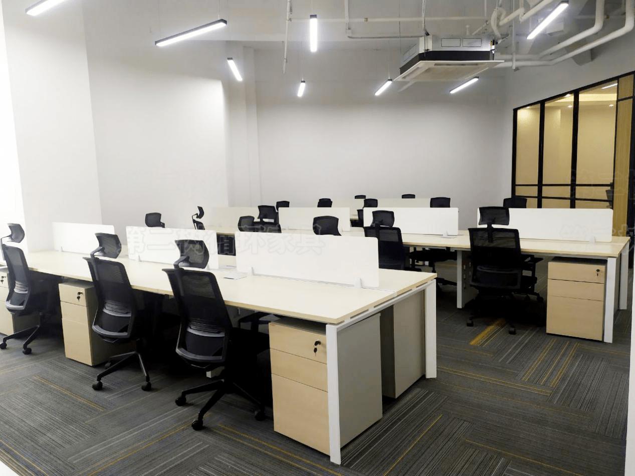 <strong>二手办公工具是现货销售 办公空间的优缺</strong>