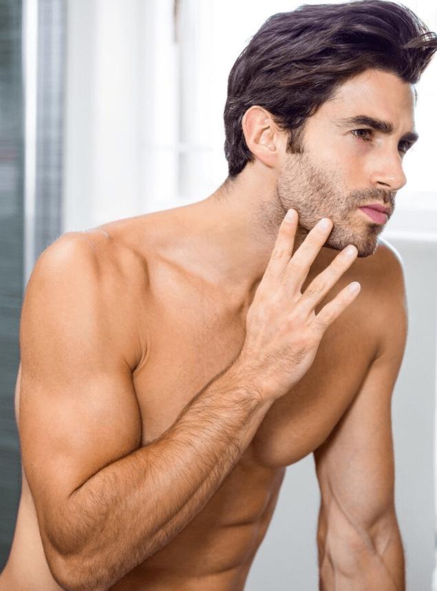 毛发旺盛的男人