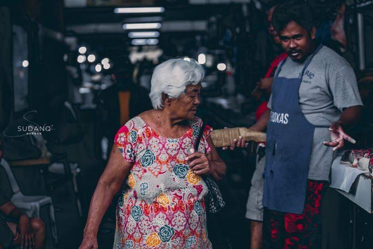菲律宾集市:鸡蛋80美分,猪肉很受欢迎