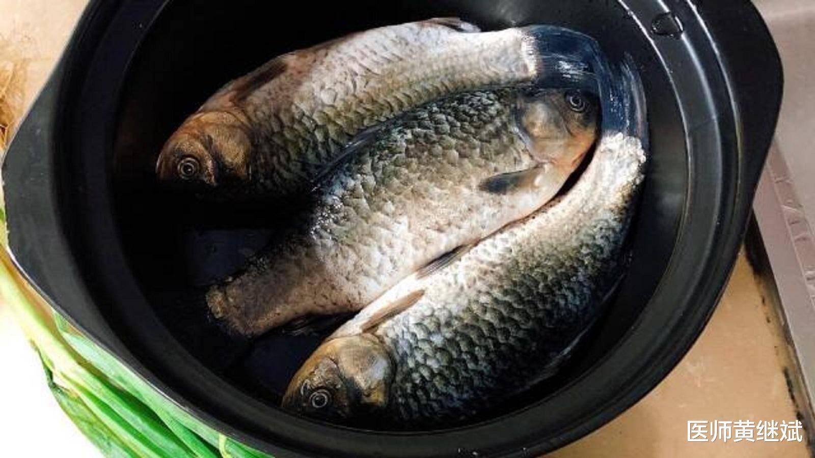 经常吃鲫鱼增强记忆力,还能减肥减脂,和哪些食物搭配效果更佳?