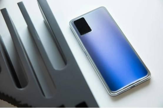 原创            vivo官宣智能变色玻璃技术,未来实现一机多变