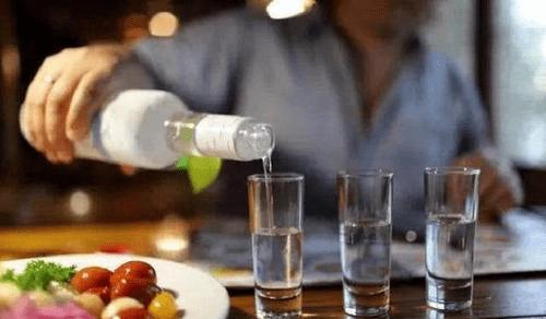 中国酒精含量最高的省份:3.5斤烈性酒和