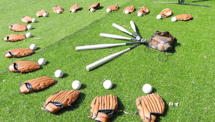 给你的职业生涯来一次漂亮的全垒打!江门出众拓展团建之棒球运动