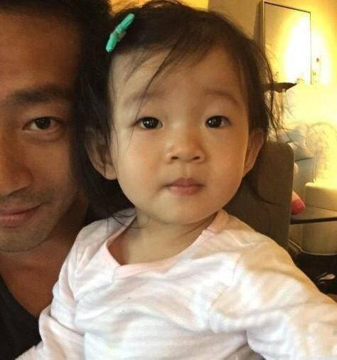 汪小菲凌晨发文感慨想家,思念女儿时会心悸冒汗,两个月瘦了十斤