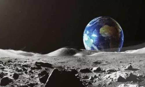 科学家在月球表面发现了8厘米以下的水,