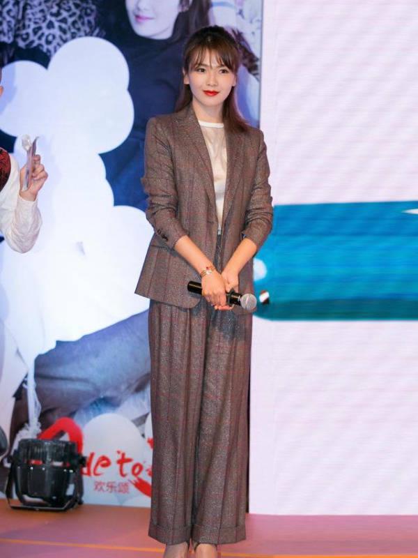 """刘涛越老越会穿,实力演绎如何穿出""""贵妇感"""",尽显高级气质"""