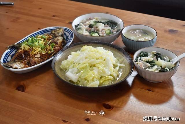秋天晚餐要清淡又营养,3道家常菜花钱少吃得舒坦,肠胃没负担