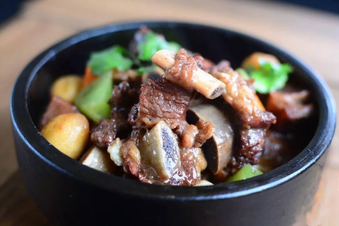 刘雪平美食餐饮团队:酱焖牛排