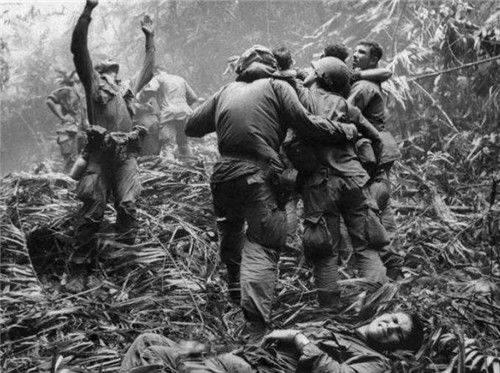 """令美军闻风丧胆的越南""""竹签阵"""",遭国际禁用,却被我军轻松破解"""