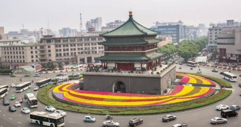 西安人均gdp 2021_2021西安城墙灯会图片
