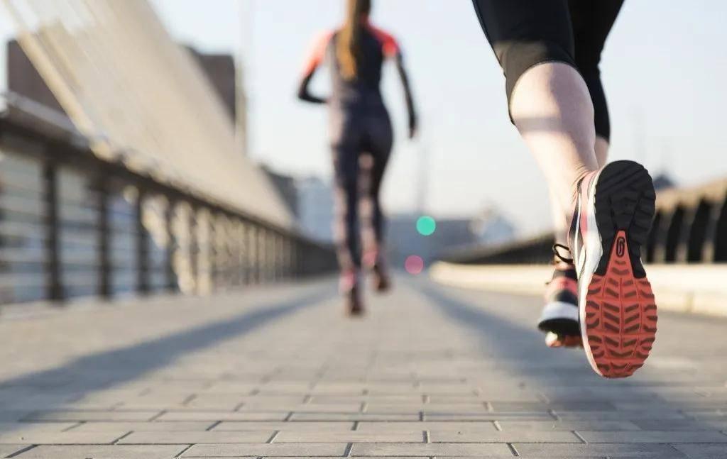 倩狐减肥瘦身:5个走路小技巧,减脂效果翻倍!懒人减肥必看!