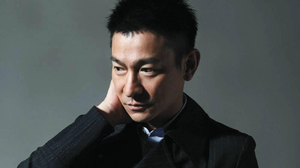 """刘德华59岁生日!圈内只有刘嘉玲贾玲两人为其庆生?难道真的""""人走""""茶凉?"""