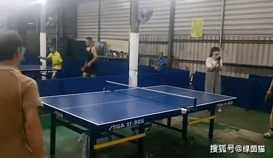 恭贺!福原爱夺得住宅小区乒乓球冠军,一度受虐,调节战略后夺冠军