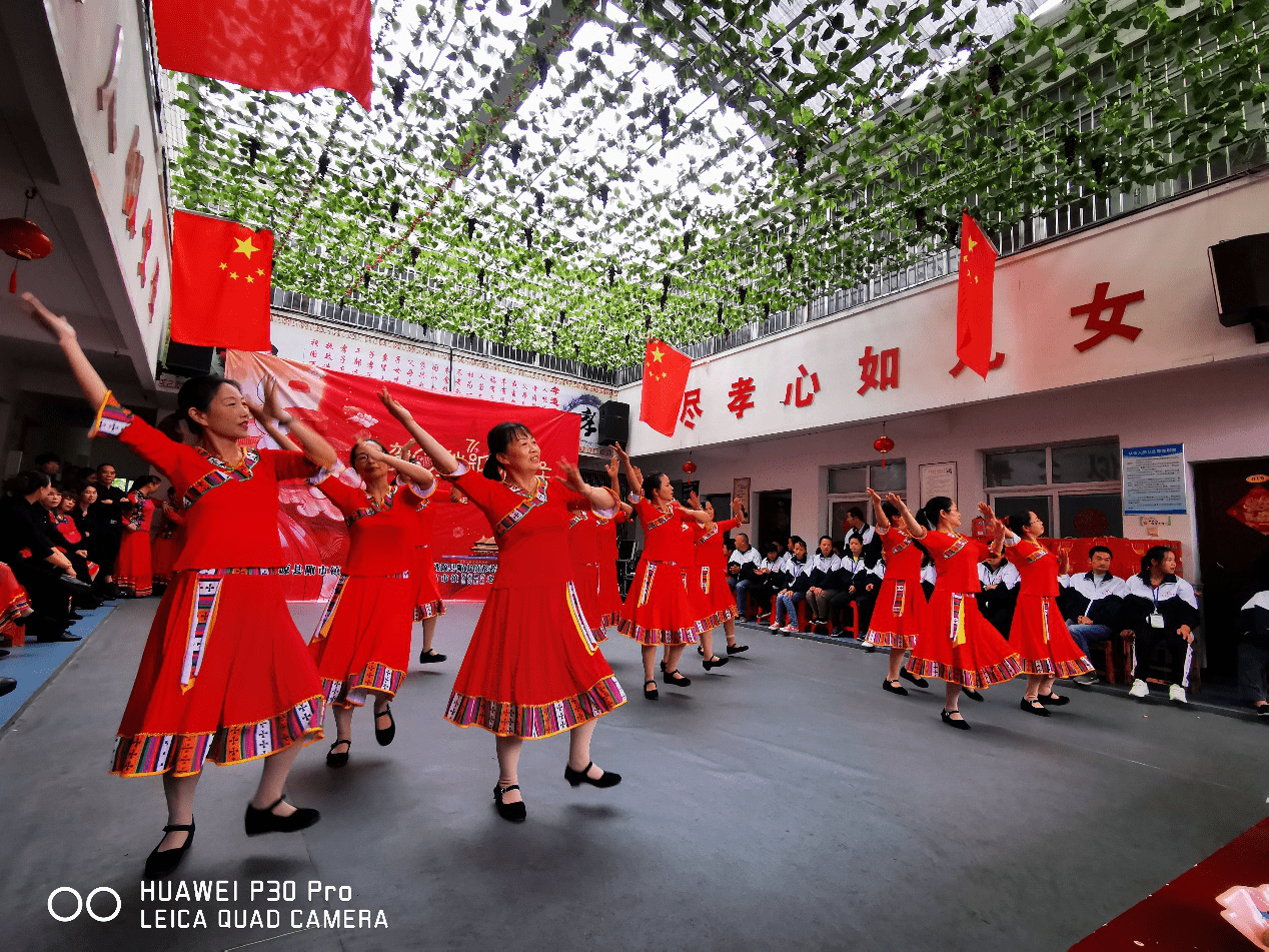 桃源三中教師舞蹈隊參加陽光家園福利院演出