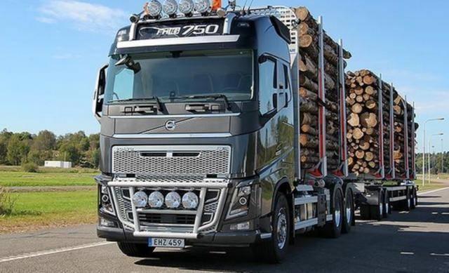 也是大货车司机 外国卡车司机工作轻松 而国内卡车司机工作非常努力