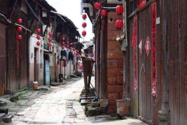 曾被誉为江西第一古街 与景德镇齐名 如