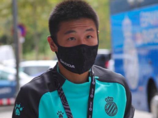 武磊门前1米挡出队友必进球,被换下12分钟,替补前锋1