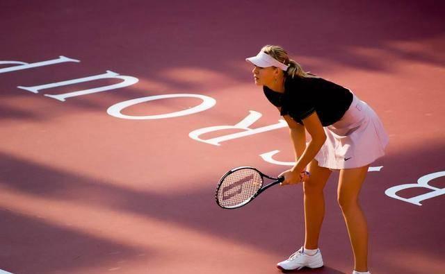 网球女神莎拉波娃的现状 她的面值和身材还是值得骄傲的 31岁时 她的事业非常幸福...