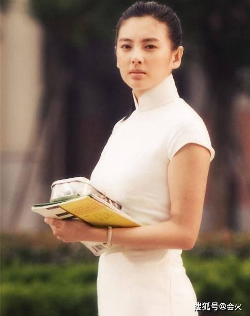 33岁张雨绮再爆金句:卡里有钱不需要理智,曾直言从不用碎钻