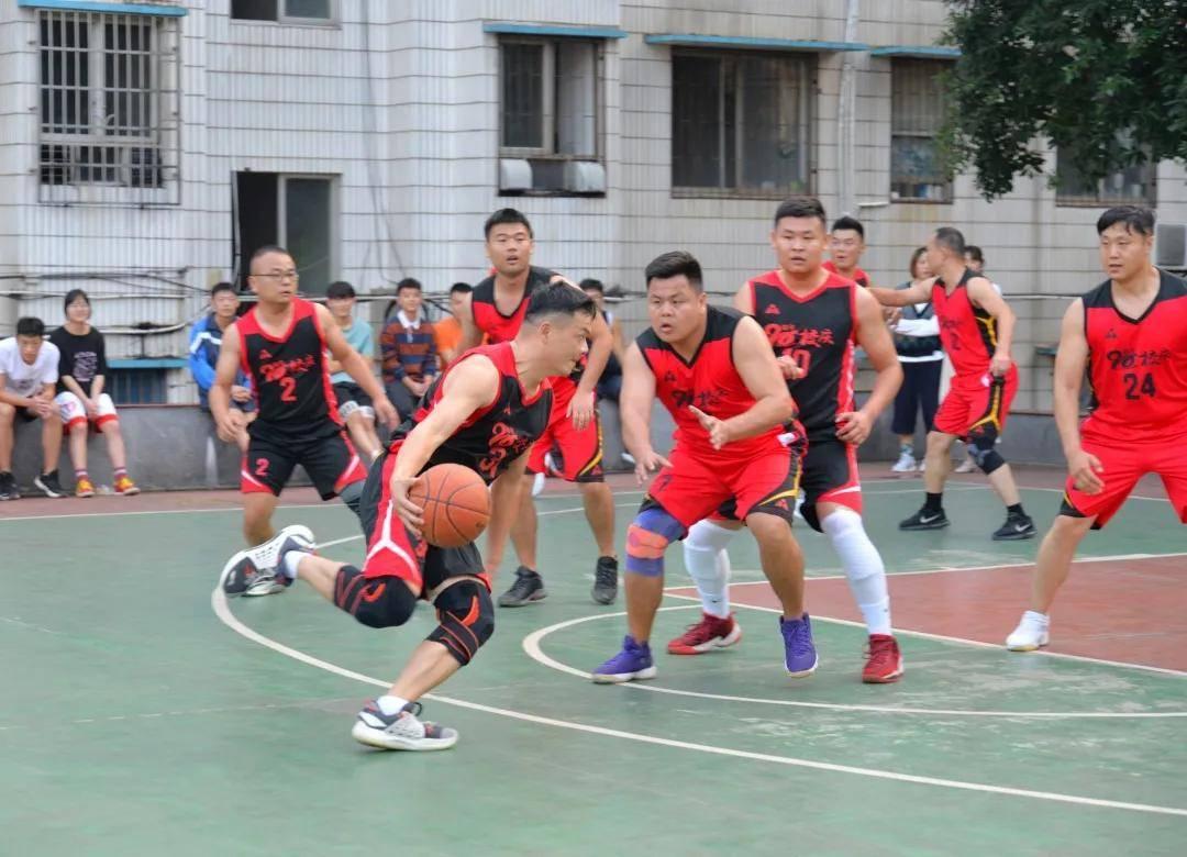 """湖南凤凰教育集团""""校庆杯""""教工篮球赛火热举"""
