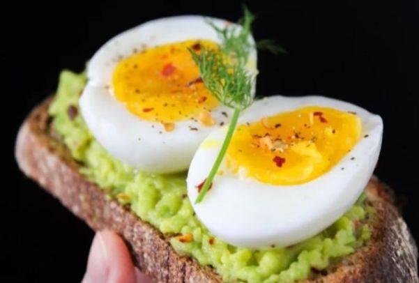 """每天一个鸡蛋,从头补到脚,但需注意这些禁忌,避免""""惹祸上身"""""""