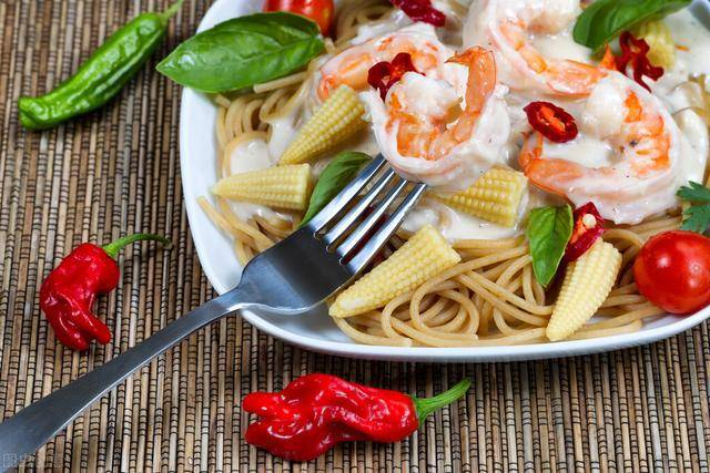 牢记几个晚餐原则,让你体重持续下降,你吃对了吗?