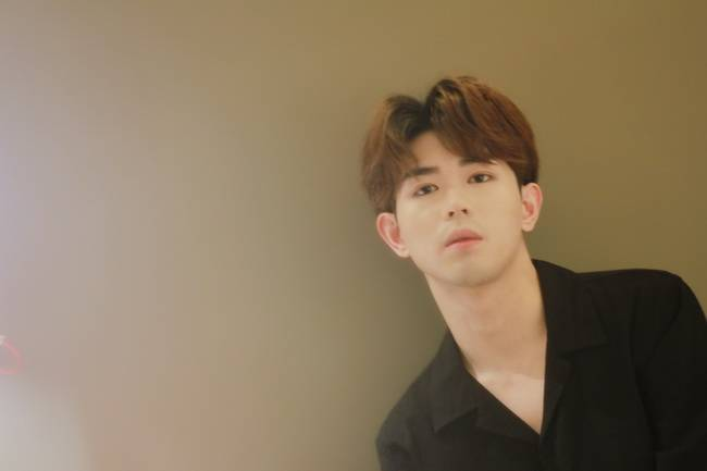 刘克源创新歌曲《那一抹蓝》用线记记录做梦的感觉