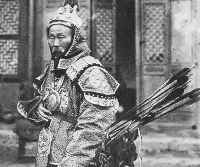 中国最后一位武术冠军的技术如何?手持100磅铁 力值爆棚