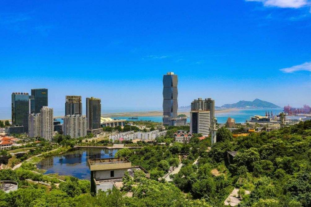 连云港gdp_江苏又一城市快速崛起,GDP增速省内第一,却只是个三线城市