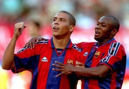 巴萨高龄名宿:梅西是当今足坛首席前锋,梦之队中我选罗纳尔多