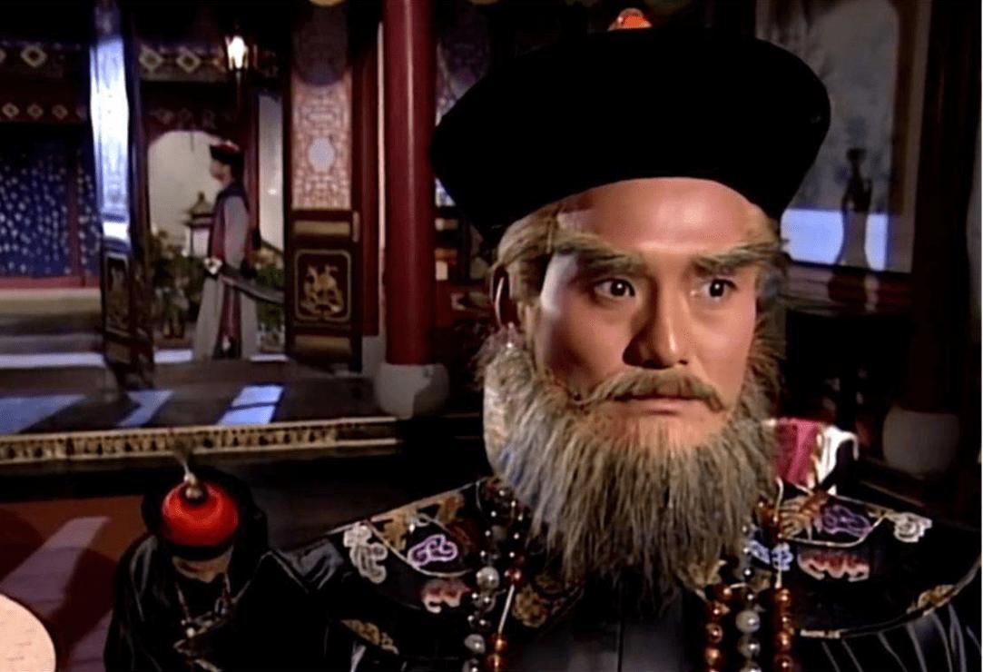 《鹿鼎记》中韦小宝的一句谎言,揭露清初战争残忍法则