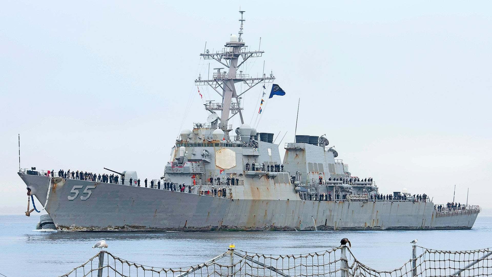 原创   美海军驱逐舰创下纪录,航行215天不靠岸,相控阵雷达锈迹斑斑    第1张
