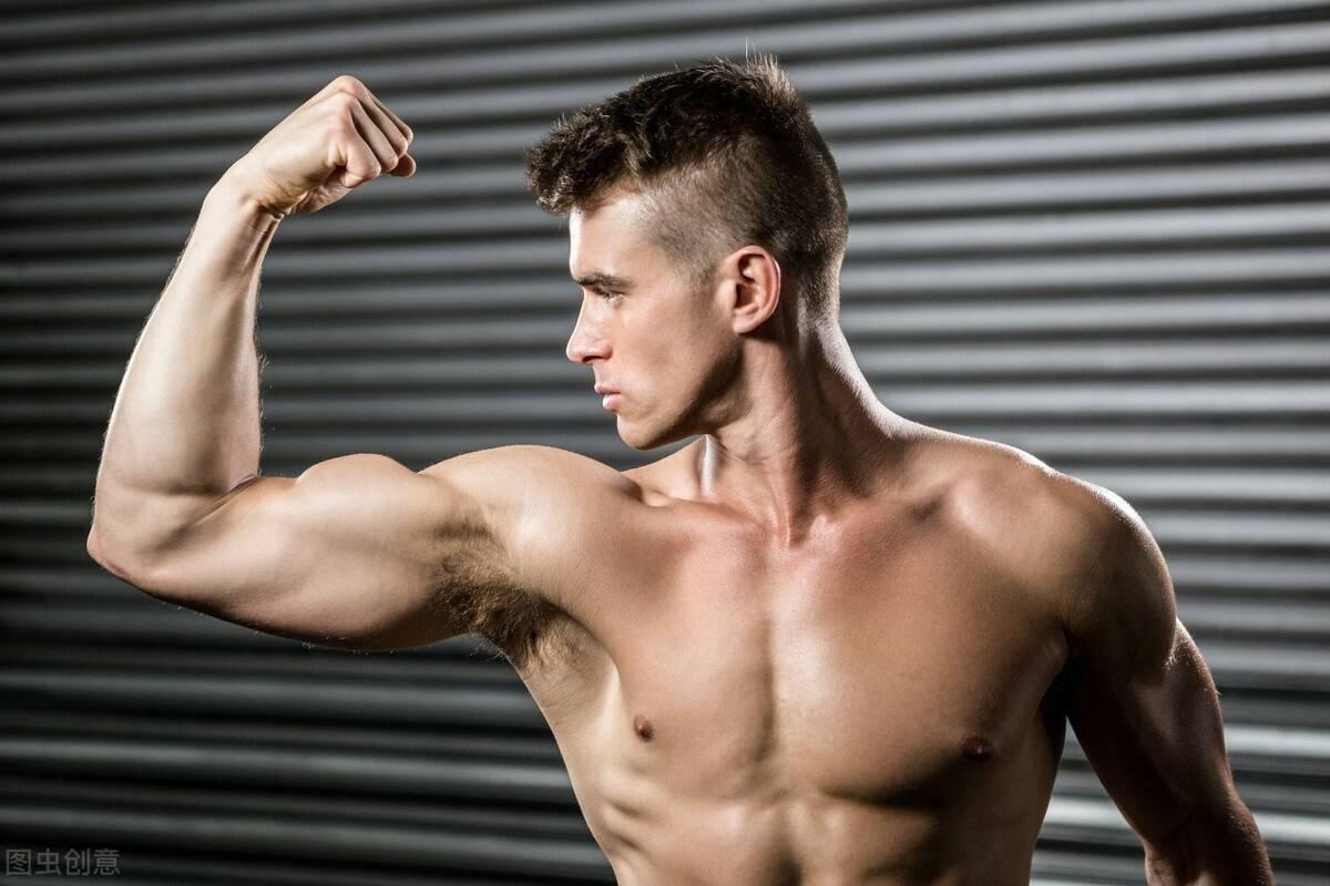 瘦子如何增肌增重?牢记这4个法则,摆脱瘦弱形象,练出强壮身材