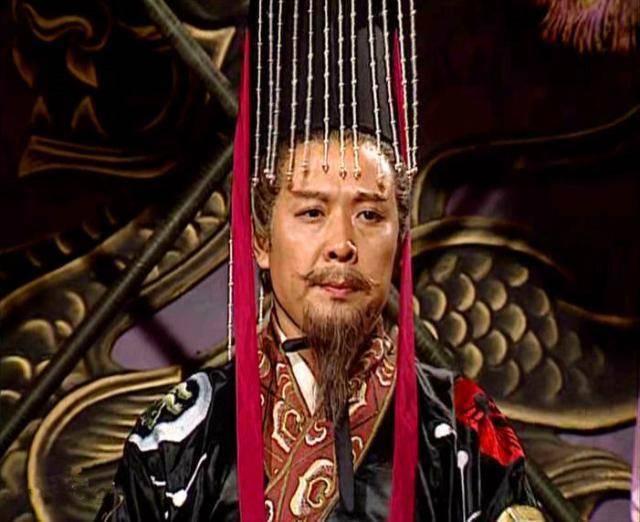 卧龙凤雏得一可安天下,刘备兼得却为何依旧偏安