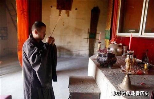80后獨守深山寺廟,生活費全靠香火錢,最少時1個月僅40元維生