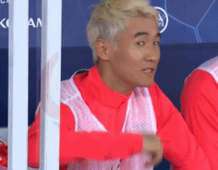 """中国足球""""第1特殊"""":韦世豪昨夜替补席又发"""