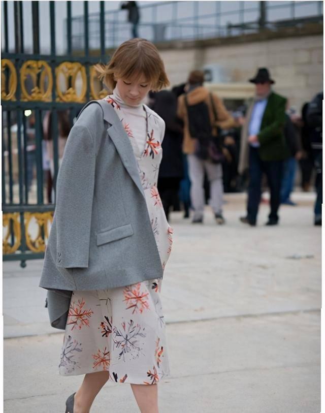 原创             显瘦又保暖的单品,非堆堆领毛衣莫属了,果然够时尚