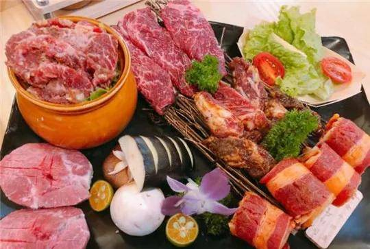 韩式小烤肉的魅力,让我们沉迷在这炭火肉香里_孕妇能吃火锅吗