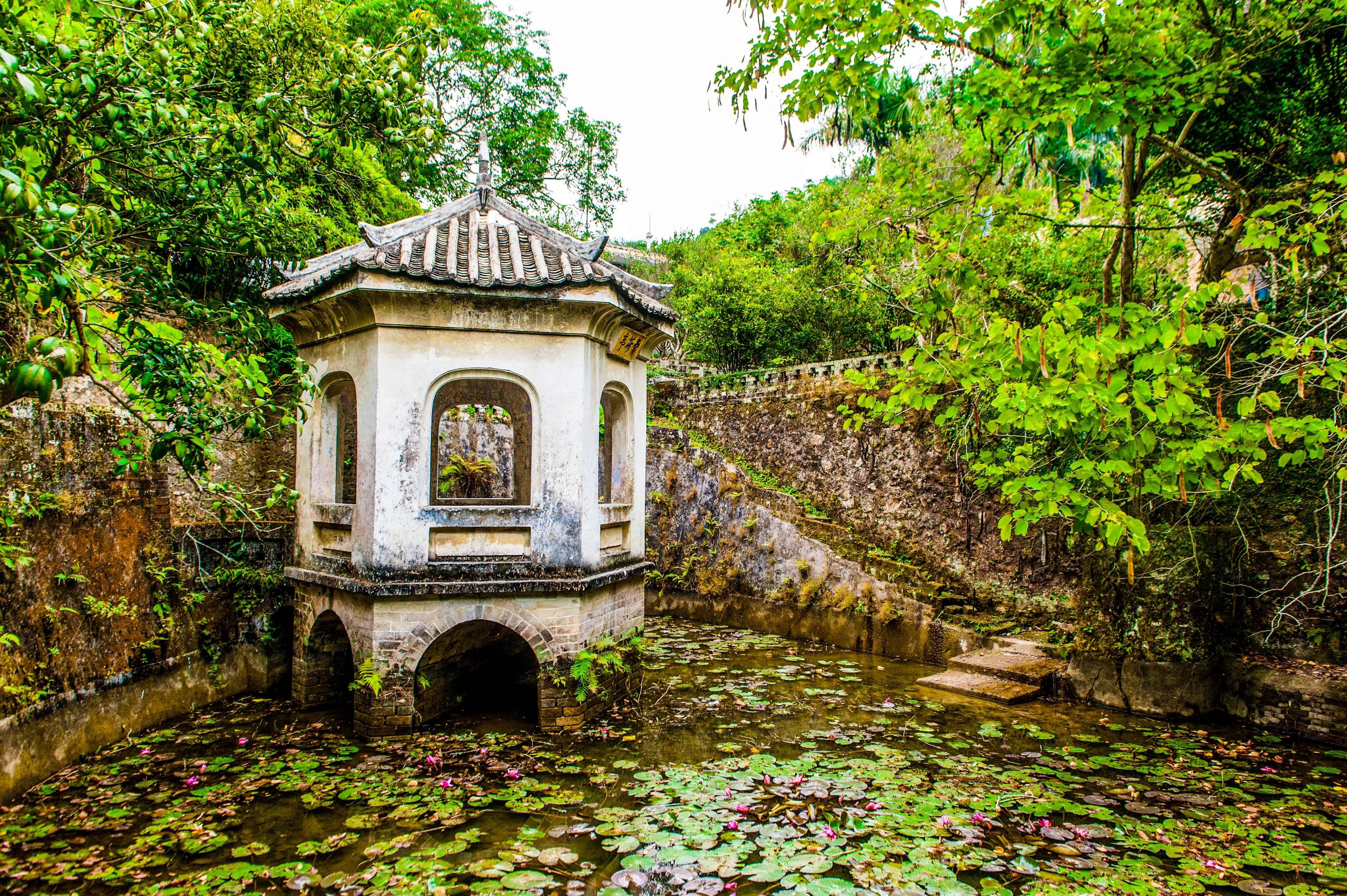 原创              我国最大的私人庄园之一,占地近400亩,风景可媲美江南园林!