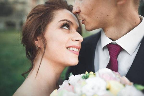 """夫妻""""行房""""多久一次对身体好?提醒:在这个范围内,对男女双方都有益"""