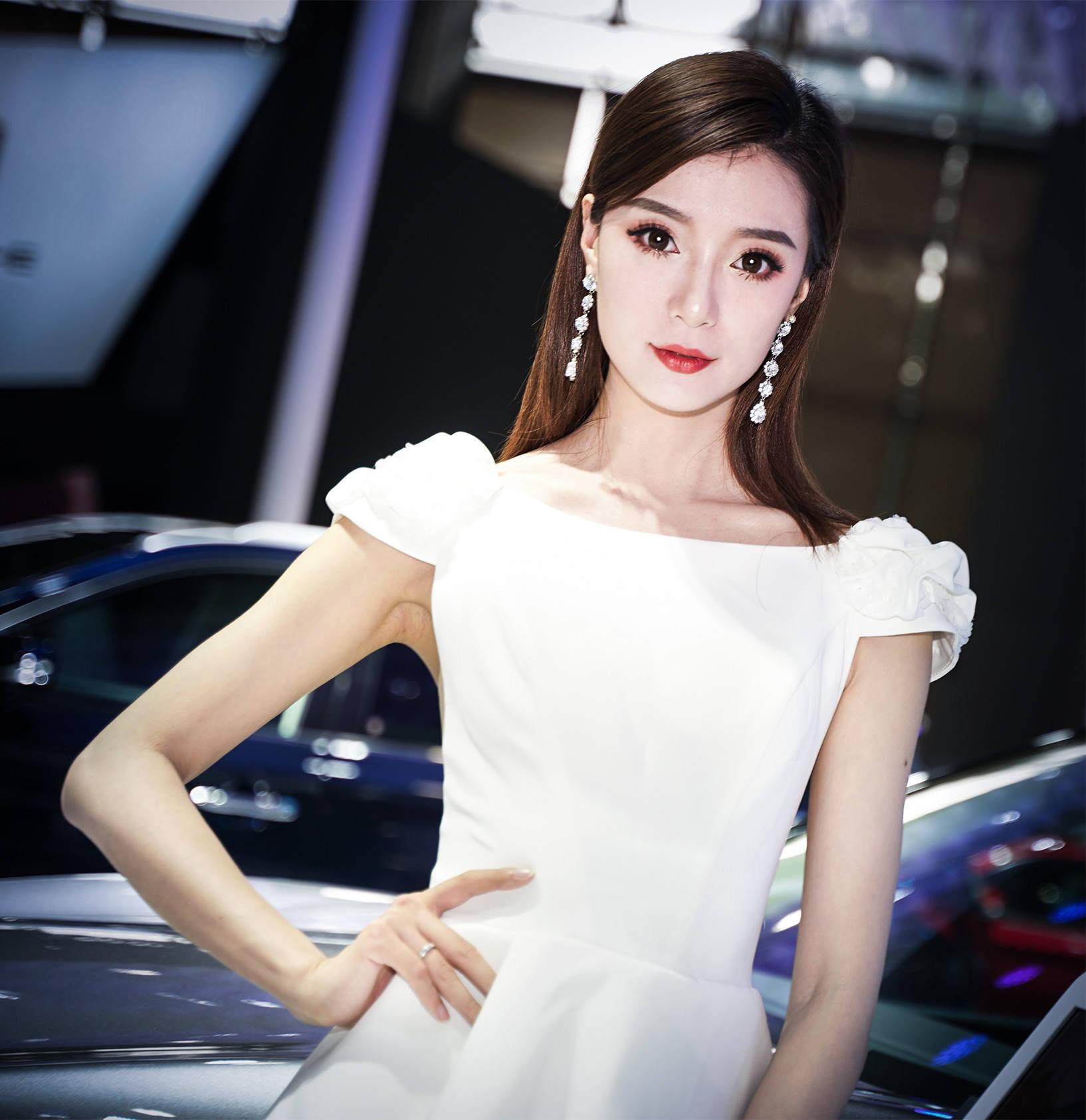 原创             2020广州车展小姐姐大合集!是真男人就坚持到最后一张!