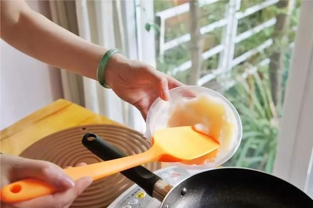 提醒:想要身体健康,不仅要减油还要选对油,家中最好常备3种油