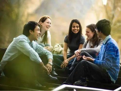 美国门户报告发布公告显示,美国留学申请人数创近年来新高