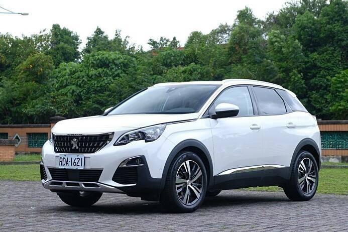 全新标致3008原车曝光,预售13万。新款比本田XR-V帅!