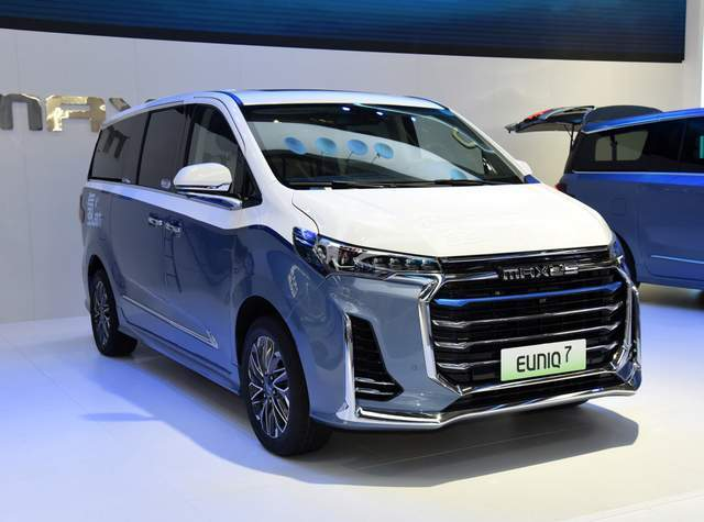 原装国产7座MPV车,外观霸气,内饰豪华。600公里不烧油不充电
